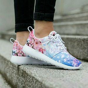 LMT Ed. NIKE Roshe One Cherry BLS Blossom Sneakers